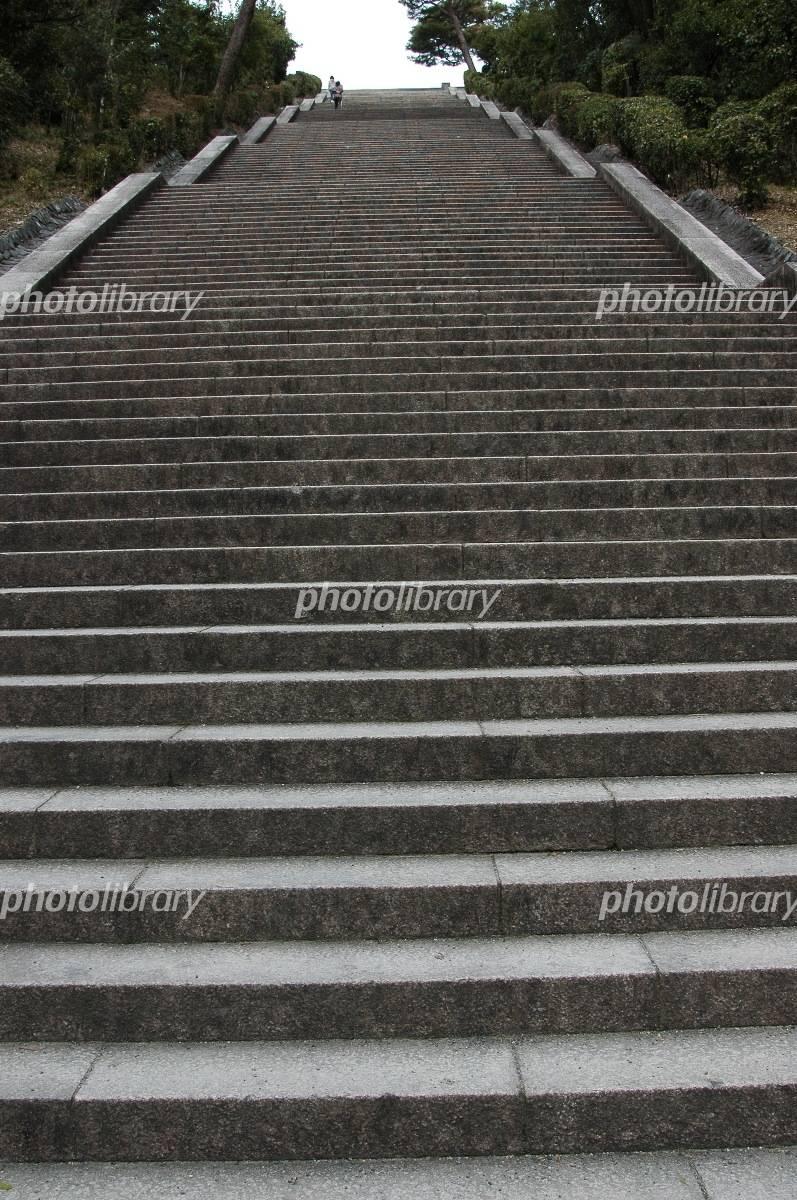 長い階段 伏見桃山御陵-写真素材  長い階段 伏見桃山御陵 画像ID 1260330  長い階段