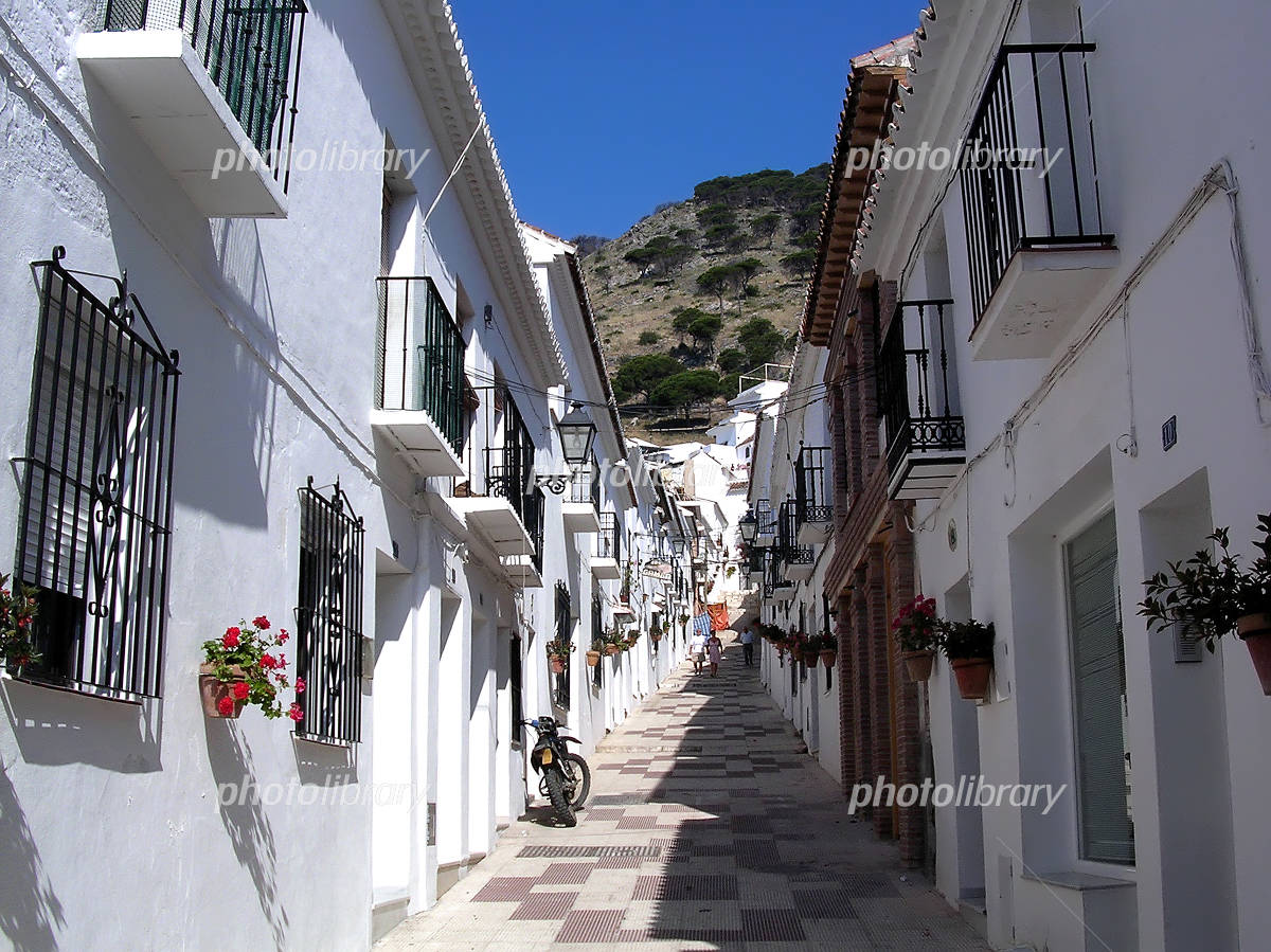 スペインの白い町 ミハスの街並み-写真素材  スペインの白い町 ミハスの街並み 画像ID 949