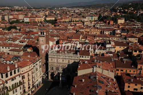 ヴェローナ市街の画像 p1_25
