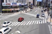 長野駅前の交差点交通