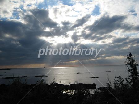 雲間からの陽射し-写真素材 雲間からの陽射し 画像ID 191868  雲間からの陽射し