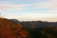 晩秋の夕山