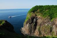 Utoro Saki lighthouse and tourist boat Stock photo [873738] Utoro