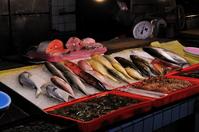 東門市場の魚屋