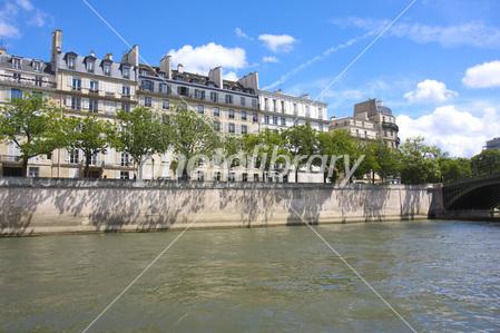パリのセーヌ河岸の画像 p1_7