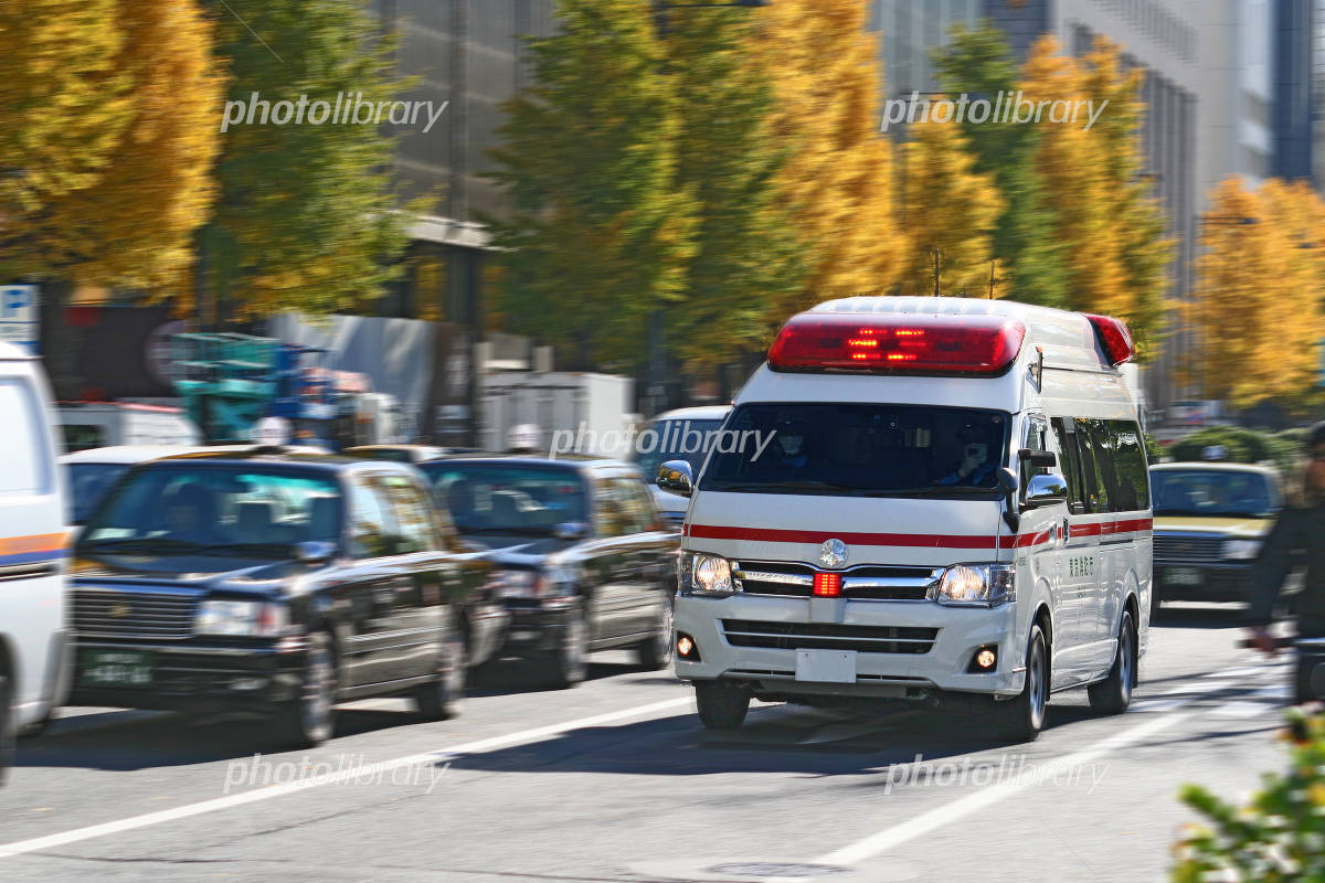 Ambulance to sprint Photo