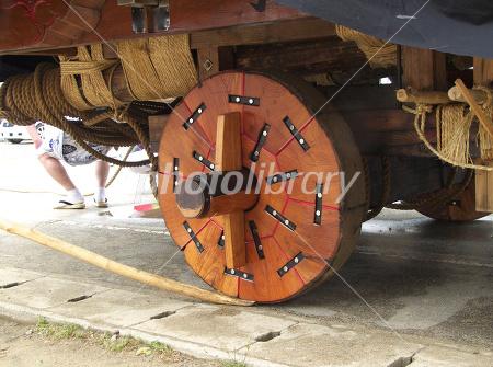 秋田市土崎港曳山まつりの山車の車輪 写真素材 [ 152804 ] - フォト ...