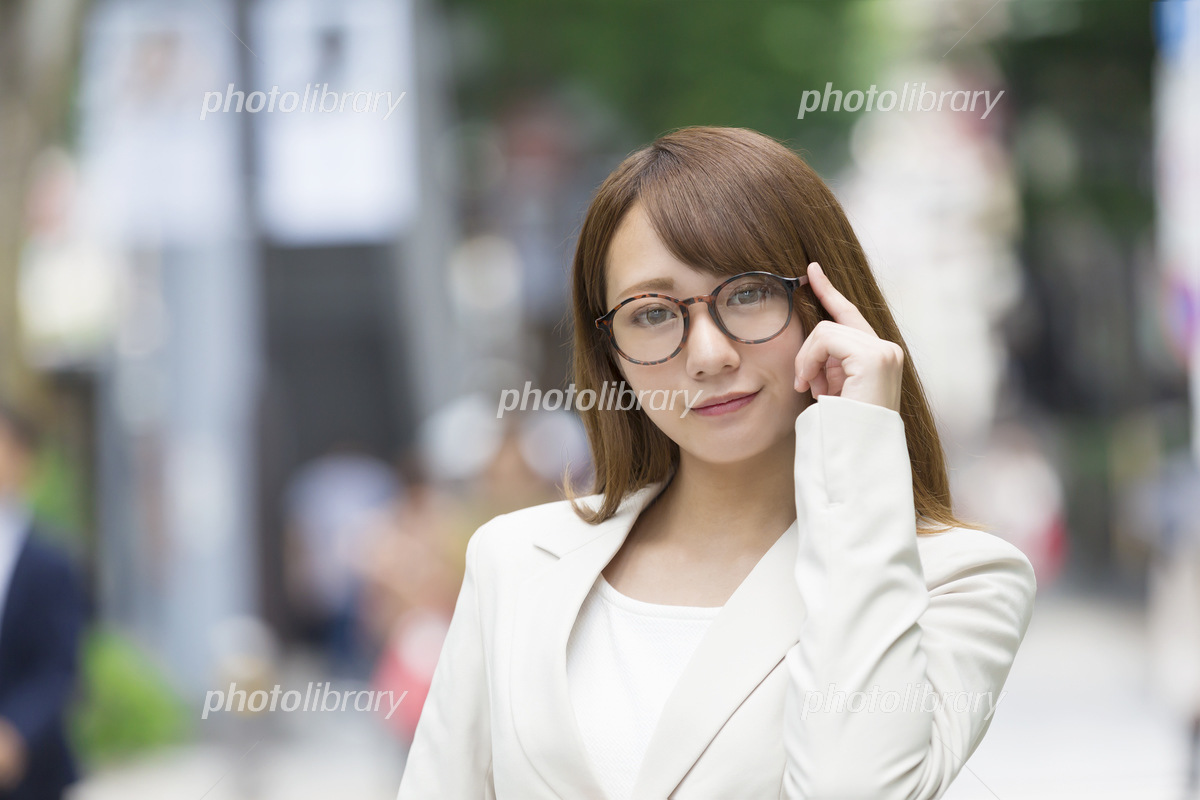 Business woman image of glasses Tokyo Aoyama Omotesando Photo