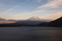 イラスト Mt. Fuji seen from Lake Motosu(5112258)