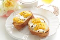 写真 Cream cheese and sweet corn open sand(5113553)