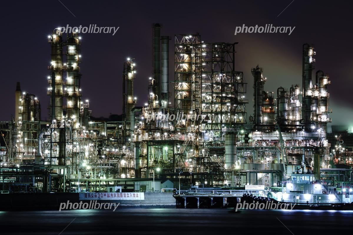 横浜 新磯子町の工場夜景 写真素材 5508414 フォトライブラリー