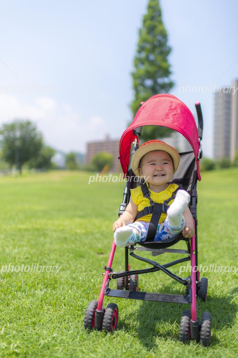 公園で遊ぶ子供 写真素材 [ 5648112 ] - フォトライブラリー photolibrary