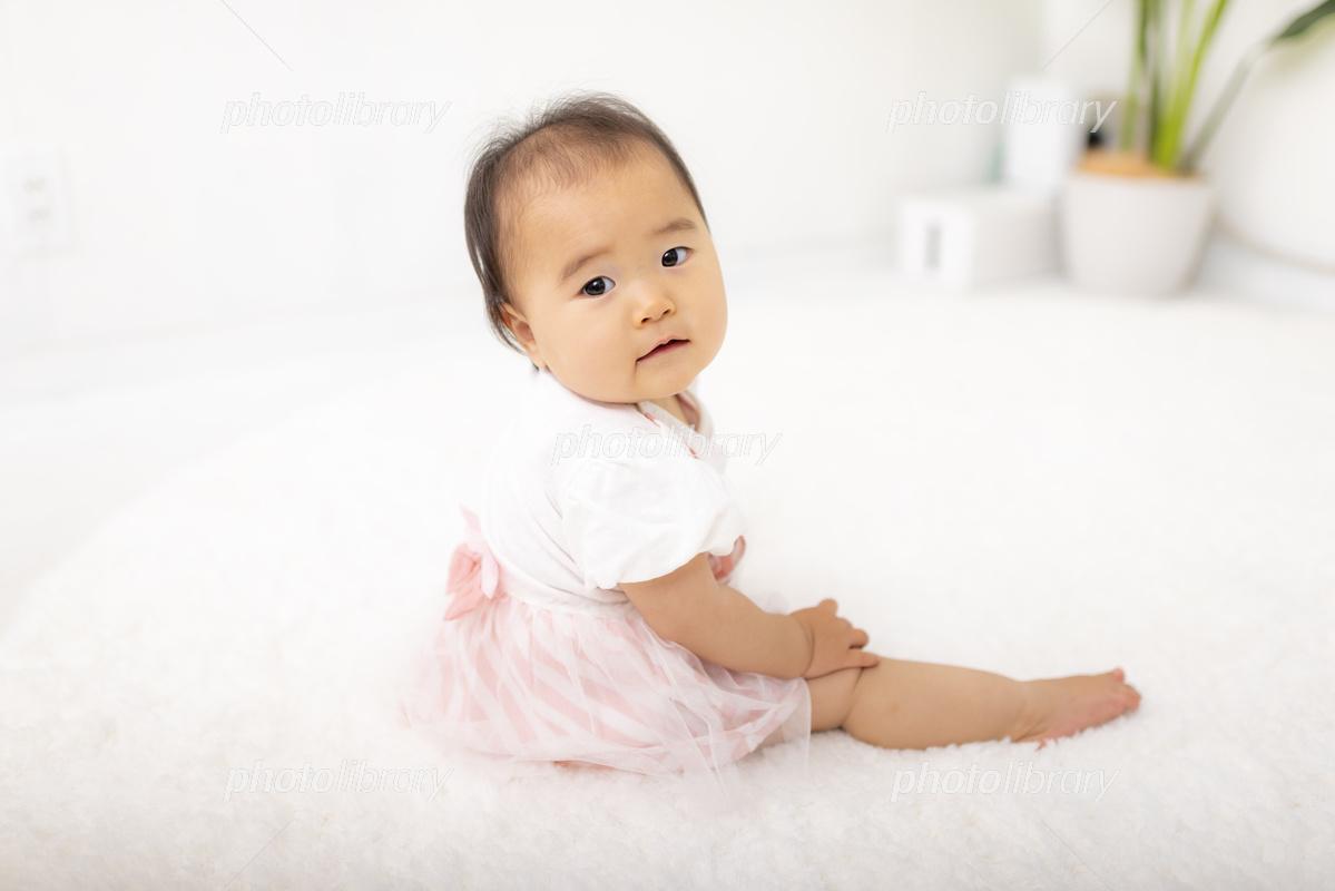座っている赤ちゃん 写真素材 フォトライブラリー Photolibrary