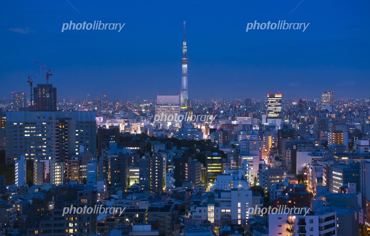 東京夜景 密集した街並みイメメージ 写真素材 フォトライブラリー Photolibrary