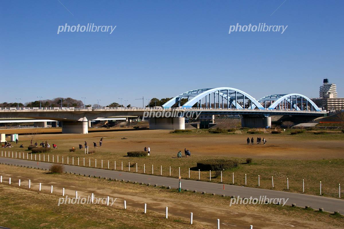 多摩川河川敷と丸子橋 写真素材 [ 224251 ] - フォトライブラリー ...
