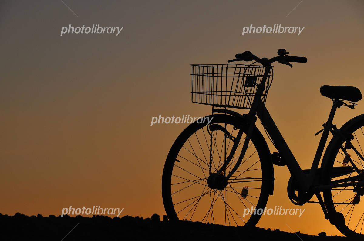 自転車の 自転車 写真 : 自転車 シルエット - 写真素材