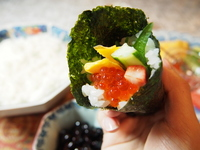 Hand-rolled sushi Hand-rolled