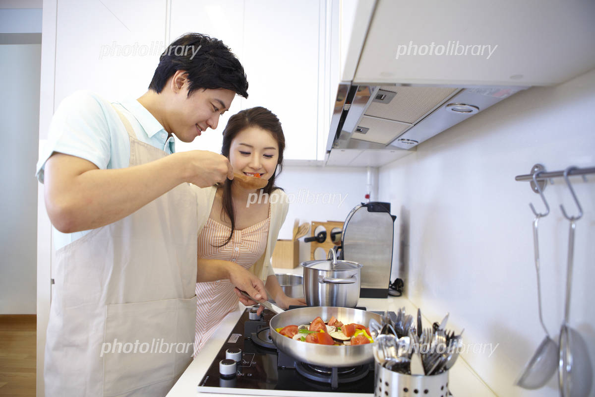 Male Couple to cook Photo
