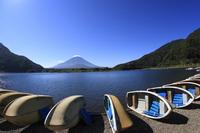 Lake Shoji Fuji and boat Stock photo [2648839] Mt.