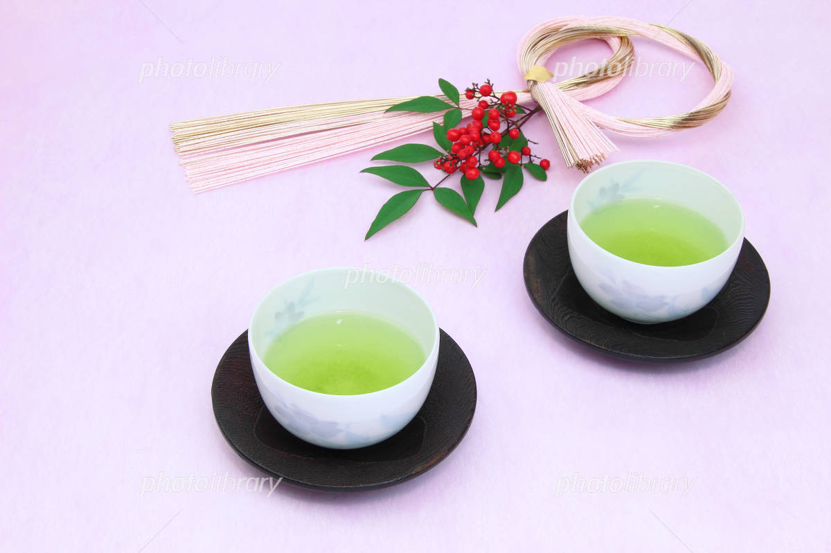 To celebrate the New Year with the southern Japanese tea and Mizuhiki (shimenawa lease) Photo