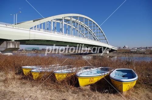 ボートと多摩水道橋 写真素材 [ ...
