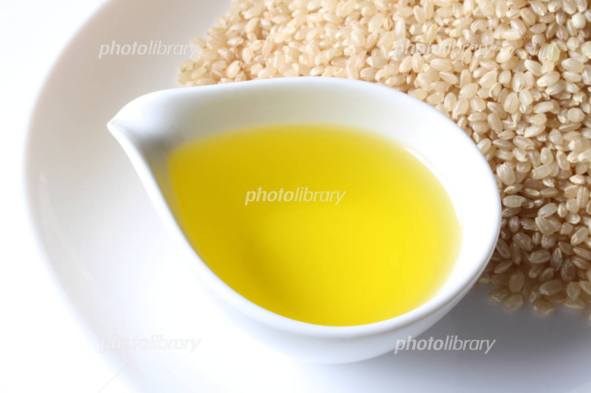 Rice oil and brown rice Photo