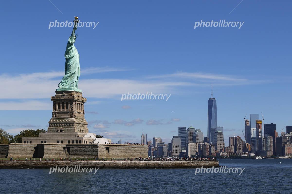 Statue of Liberty and Manhattan Photo