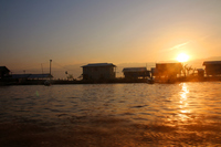 ミャンマーのインレー湖の夜明け
