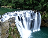台湾 十分瀑布 water fall in Pingxi Taiwan