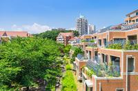 写真 Blue sky and residential area(5116039)