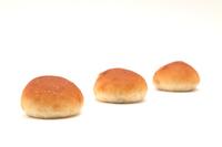 写真 3 rows of breakfast raisins raisins pan table roll white background(5204590)