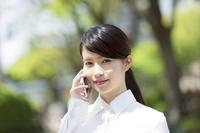 写真 Business woman smartphone(5205335)