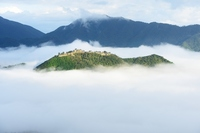 Takeda Castle that floats on a sea of clouds Stock photo [2172879] Takeda