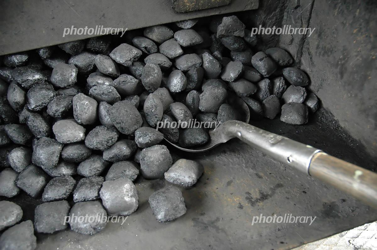 石炭 写真素材 フォトライブラリ...