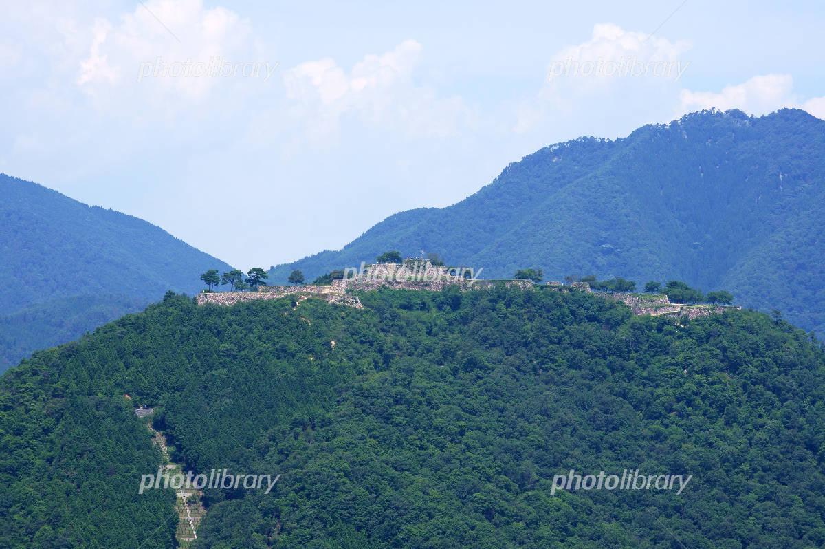 Takeda Castle seen from Tatsukumokai Photo