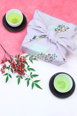 New Year's image furoshiki wrapping and southern of leaves and fruit Photo
