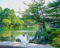 Kenrokuen 徽軫 lanterns (Ishikawa Prefecture Kanazawa City) Stock photo [4074973] Blue