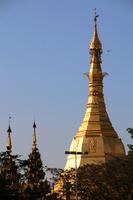 ミャンマーのヤンゴンのスーレー・パゴダ