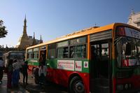 ミャンマーのヤンゴンの市バス