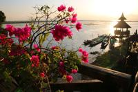 ミャンマーのインレー湖の夕暮れ