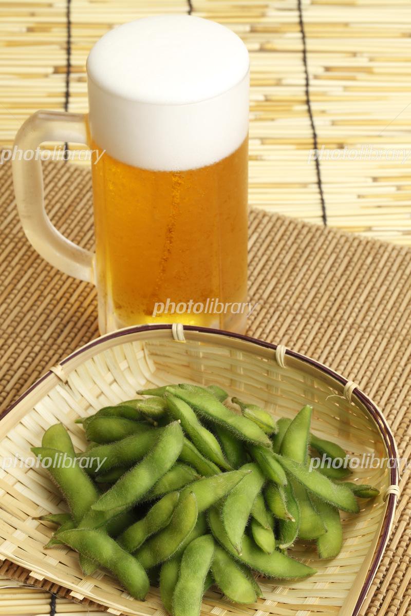 枝豆とビール 写真素材 [ 5129028 ] - フォトライブラリー photolibrary