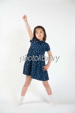 手を上げる子供-stock photo  手を上げる子供 画像ID 1392046  手を上げる