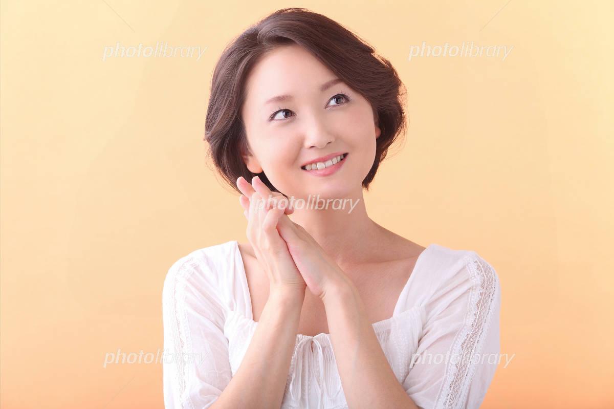 Women in their 30s that rejoice Photo