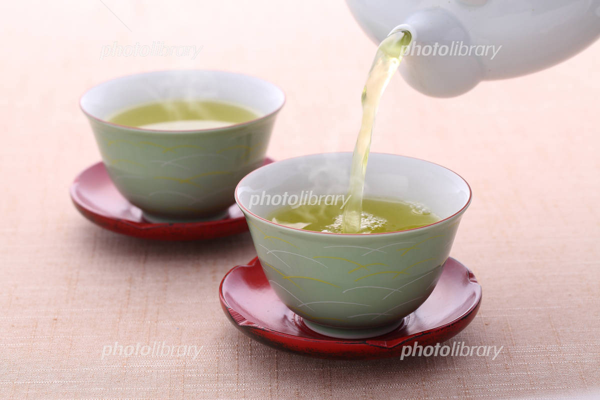Pour a cup of tea Photo