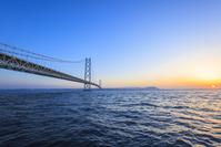 Dawn, Hyogo Prefecture Awaji city of Akashi Kaikyo Bridge Stock photo [4482988] Morning