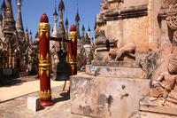 ミャンマーのカックー遺跡の鐘