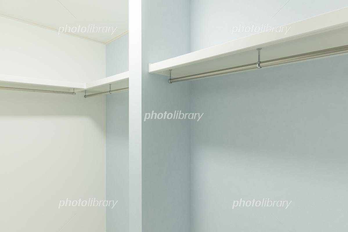 新築のウォークインクローゼット 写真素材 5142415 フォトライブ
