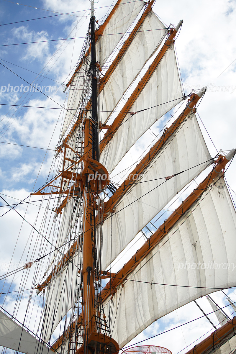 晴れた青空と帆船の帆 写真素材 [ 5931602 ] - フォトライブラリー ...
