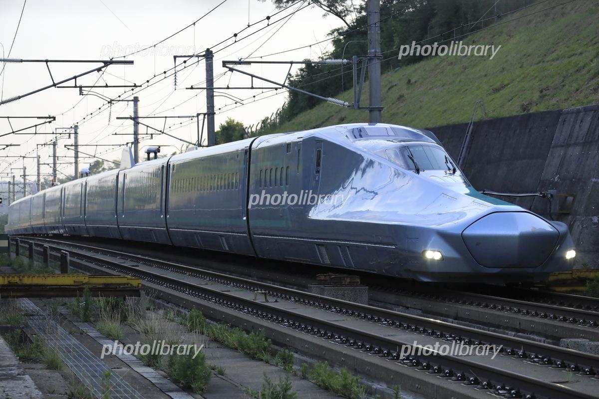 東北新幹線を走るALFA-X 写真素材 [ 6049410 ] - フォトライブラリー ...