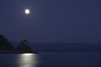 Katsurahama Dragon King cape and the moon that was taken from Nagahama Stock photo [658738] Nagahama